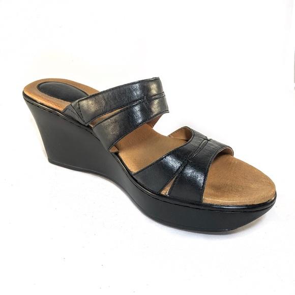 6b6d9ea4981b Clarks Shoes - Clarks Artisan Women s Wedge Sandals - Size 6M